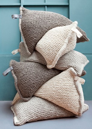 I love the cushions by Zilalila. It was true love at first sight. Just a tiny problem: my house is too small and I don't even have space for a mug. But when I'm moving to a bigger place, this cushion NEST is on top of my wishlist.