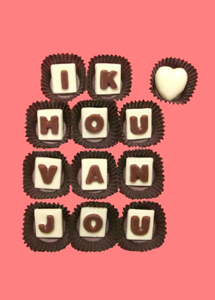 Etsy is a place where you always find the perfect gift or something to spoil yourself. Today I discovered this delicious shop. What Candy Says, is the only chocolate company that offers personalised chocolate messages in the United States. How great!