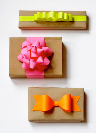 Things I Love last week! DIY paper bow, cloud shaped cookie cutter, funny sweatshirt and more..