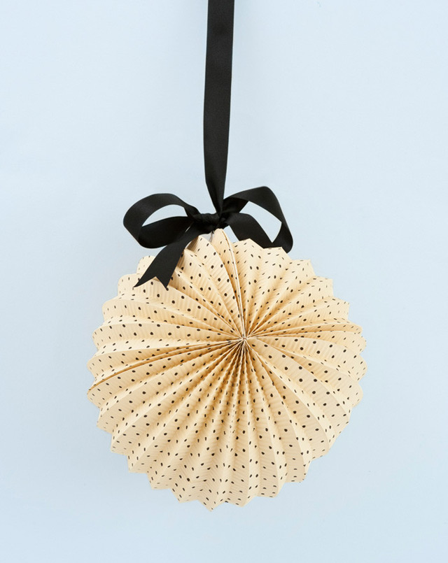 Black and cream spotted lantern