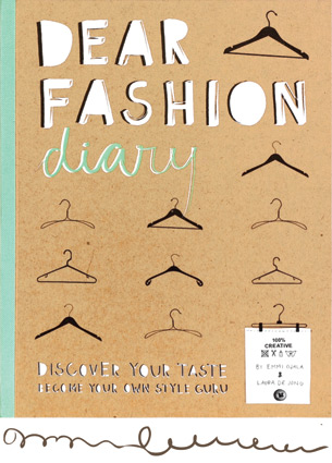 Last Friday the launch party of the Dear Fashion Diary took place at I Am Nold. I was there and I can assure you that the Diary is a must-have for anyone that wears clothes.
