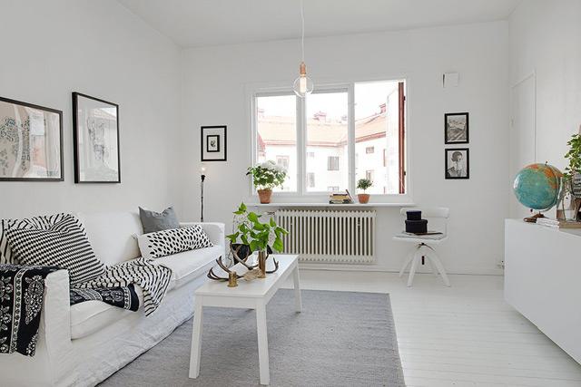 House 4 - Living Room