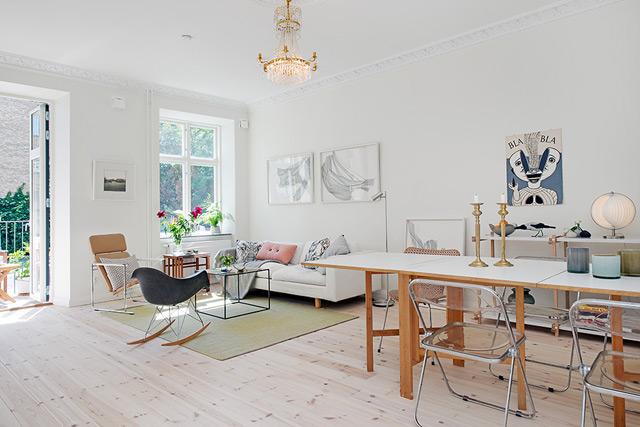 House 3 - Living room