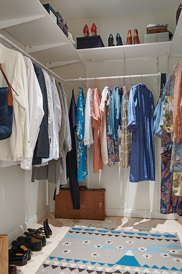 House 3 - Walking closet
