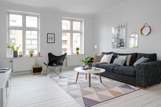 House 2 - Living room