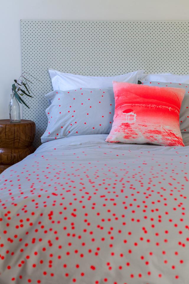 Duvet 'Sprinkle Sprinkle' in Fluro red