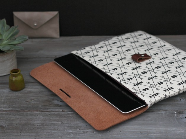 iPad sleeve by MINUK