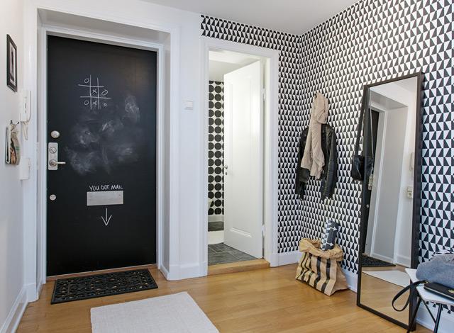Lovely front door with blackboard paint