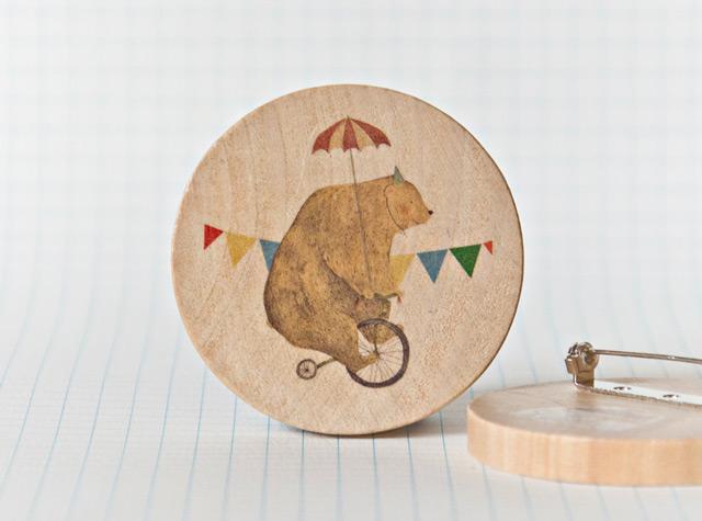 Illustrated wooden brooch Bruno the Bear