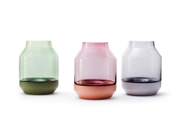 Vase Elevated designed by Thomas Bentzen for Muuto
