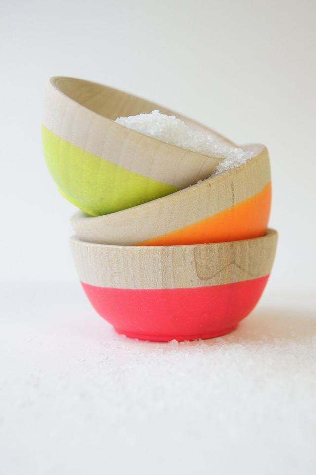Wooden mini bowl set of 3 neon colors