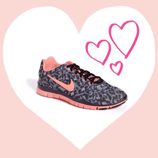 nike-free-run-leopard-pink