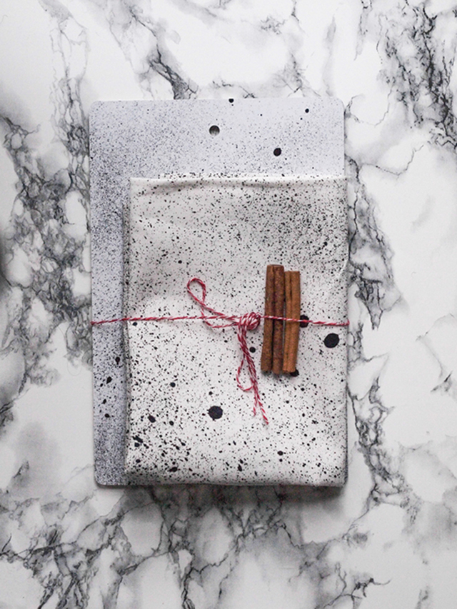 Spatter cutting board & kitchen towel