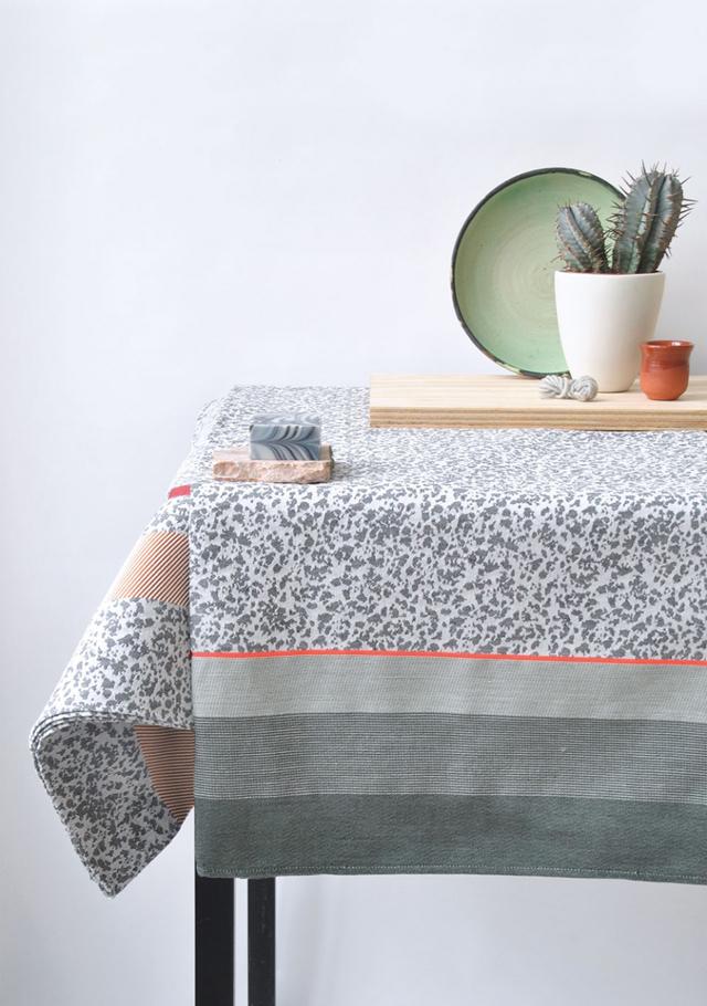 flock table cloth