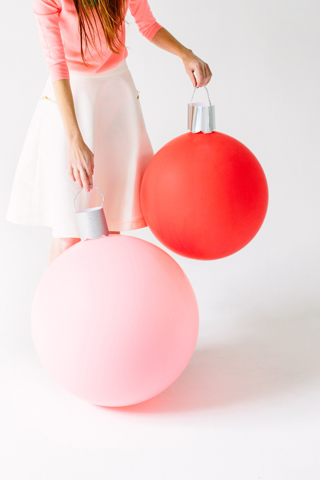 Giant ornament balloons