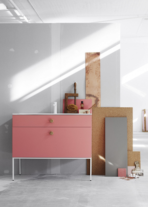 We kick of this week with some pretty pictures from Swoon, a new Swedish bathroom brand designed by Fredrik Wallner. Yes, I finally found my favorite bathroom furniture!